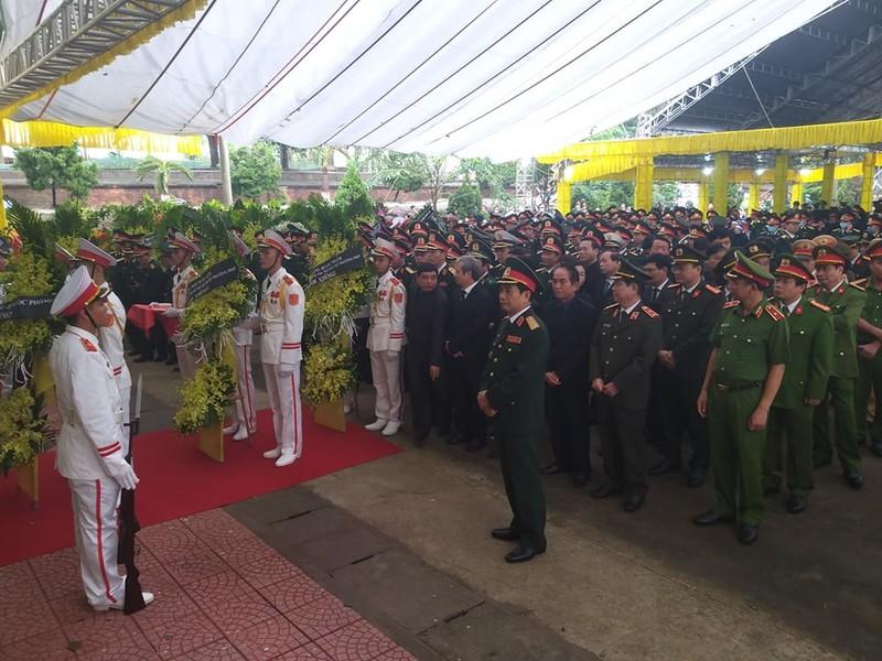 Lãnh đạo Chính phủ, Quân đội... đến viếng 13 liệt sĩ hi sinh  - ảnh 1