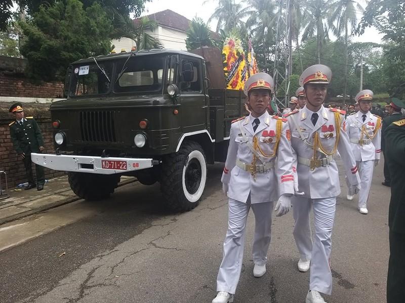 Lãnh đạo Chính phủ, Quân đội... đến viếng 13 liệt sĩ hi sinh  - ảnh 4