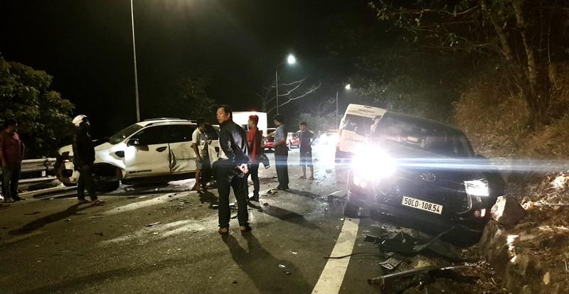6 ô tô và 1 xe máy tông liên hoàn trên đèo Bảo Lộc - ảnh 2