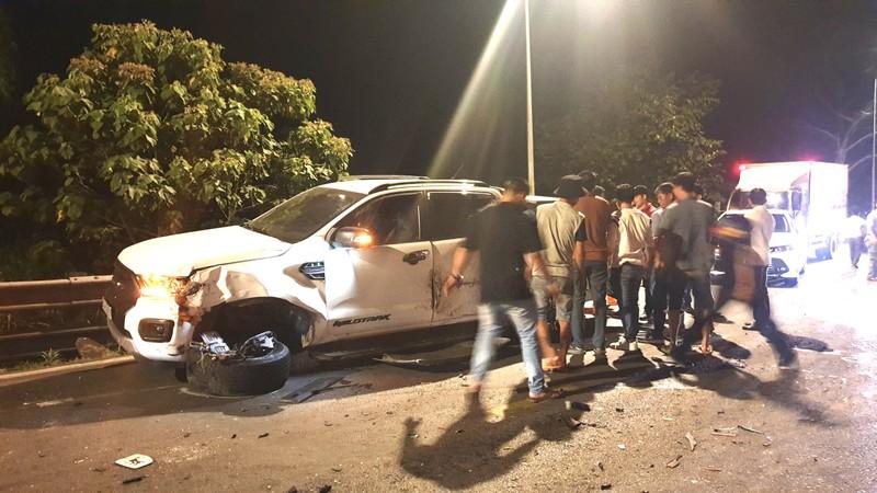 6 ô tô và 1 xe máy tông liên hoàn trên đèo Bảo Lộc - ảnh 1