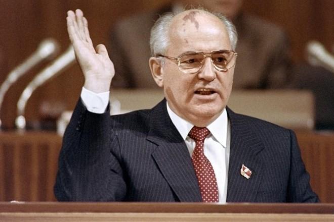 Nghị sỹ Nga muốn điều tra cựu tổng thống Gorbachev tội phản quốc - ảnh 1
