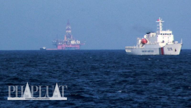 Chùm ảnh mới nhất: Tận mắt chứng kiến tàu Trung Quốc húc tàu Cảnh sát biển Việt Nam - ảnh 14