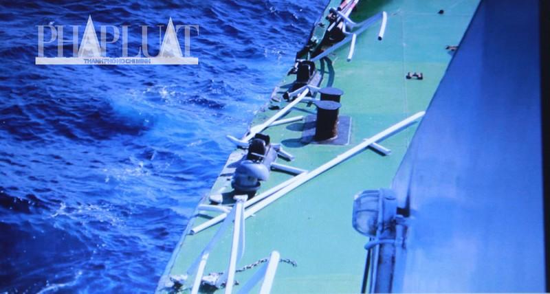 Chùm ảnh mới nhất: Tận mắt chứng kiến tàu Trung Quốc húc tàu Cảnh sát biển Việt Nam - ảnh 6