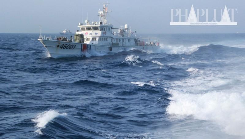 Chùm ảnh mới nhất: Tận mắt chứng kiến tàu Trung Quốc húc tàu Cảnh sát biển Việt Nam - ảnh 8