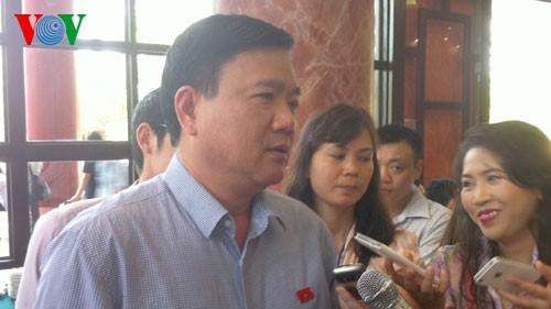 Bộ trưởng Đinh La Thăng trả lời về