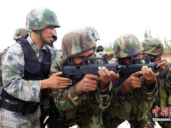 Trung Quốc nằm trong số các nước xuất khẩu nhiều vũ khí nhỏ - ảnh 1