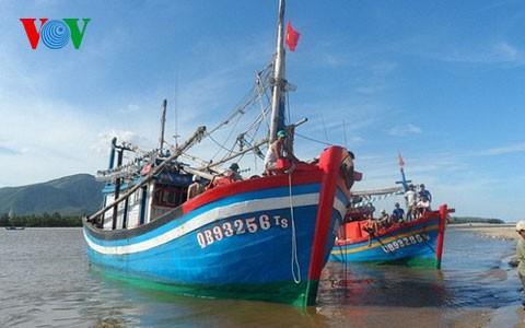 13 ngư dân bị Trung Quốc bắt giữ đã về đến Quảng Bình - ảnh 1