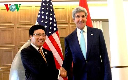 Phó thủ tướng-Bộ trưởng Ngoại giao Phạm Bình Minh gặp Ngoại trưởng Mỹ John Kerry - ảnh 1
