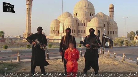Con tin người Kurd bị IS chặt đầu trong video Thông điệp bằng máu.
