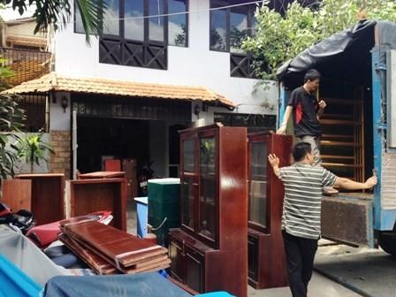 Nghệ sĩ Chánh Tín dọn đồ, bàn giao nhà cho ngân hàng - ảnh 5