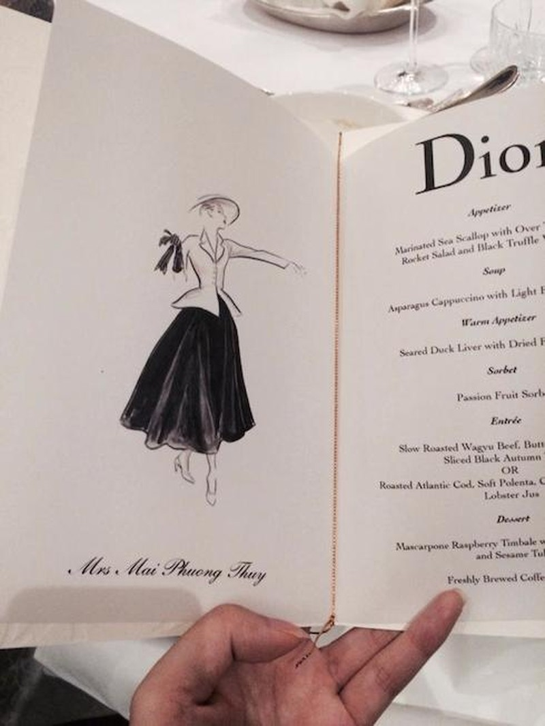 Hình ảnh chiếc menu có in chữ Mrs trước tên Mai Phương Thúy gây xôn xao