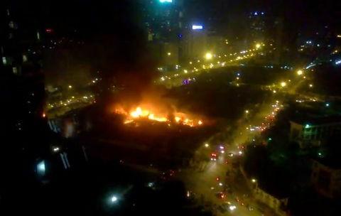 Hà Nội: Cháy dữ dội ở khu đô thị Nam Trung Yên - ảnh 1
