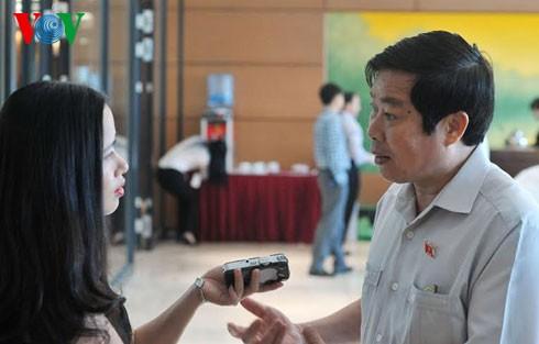 Bộ trưởng Nguyễn Bắc Son: Sẽ thu hồi hết những trang điện tử thí điểm - ảnh 1