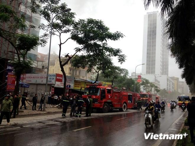 Hà Nội: Cháy lớn tại quán karaoke 7 tầng - ảnh 4