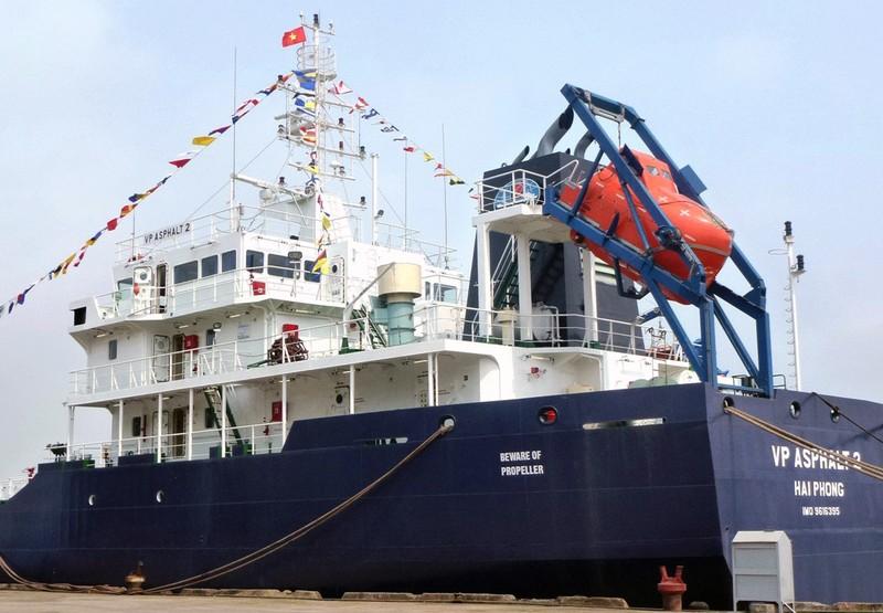 Vụ tàu VN bị cướp biển tấn công: Ngày mai đưa thuyền viên xấu số về nhà - ảnh 1