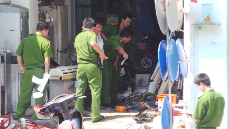 Nổ kinh hoàng tại cửa hàng điện lạnh, 1 người chết, 2 người trọng thương - ảnh 1