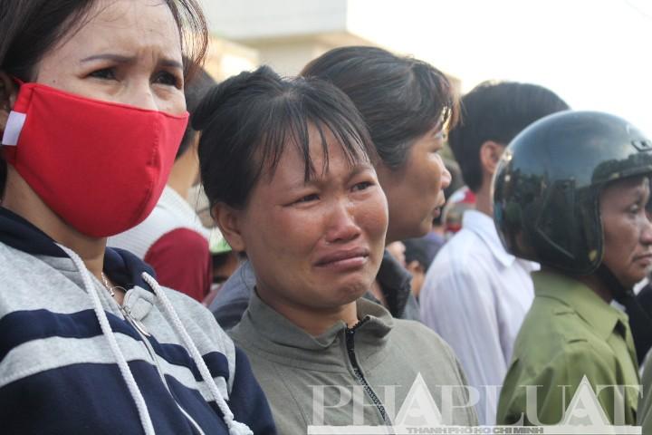 Tiễn đưa 6 nạn nhân vụ thảm sát Bình Phước về nơi an nghỉ cuối cùng - ảnh 5
