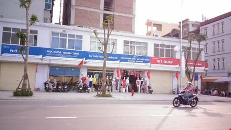 Quận Thanh Xuân nói gì về biển hiệu 'đồng phục xanh đỏ' ở phố kiểu mẫu? - ảnh 9