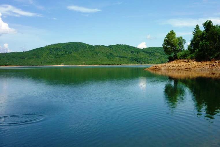 Quảng Nam: 2 học sinh chết đuối ở hồ Phú Ninh - ảnh 1