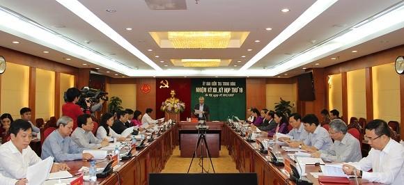 Ủy ban Kiểm tra Trung ương kỷ luật nhiều cán bộ cấp cao - ảnh 1