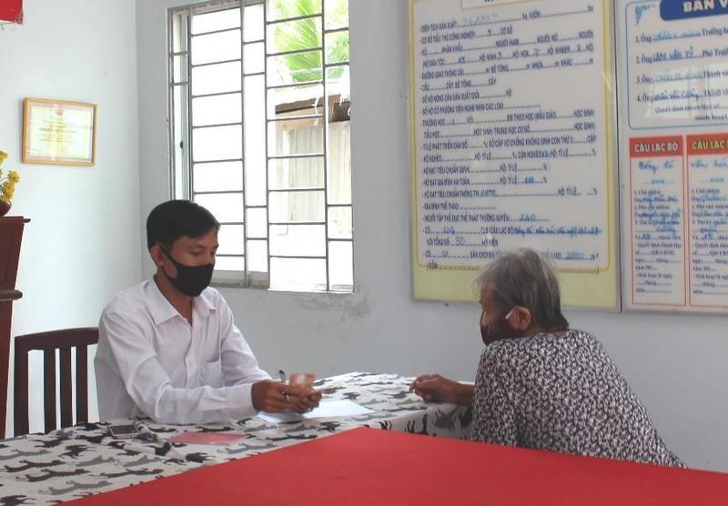 Cần Thơ: Nhiều người nghèo đã được nhận tiền hỗ trợ COVID-19 - ảnh 1
