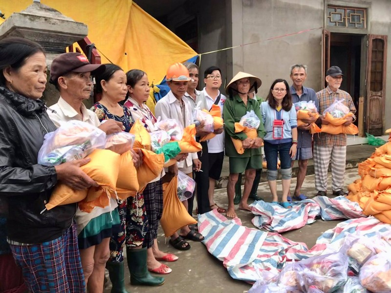 Báo Pháp Luật TP.HCM trao tiếp 260 suất quà tại Quảng Trị - ảnh 1
