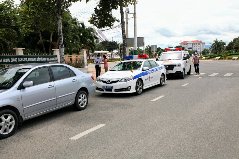 Ninh Thuận: Đón gần 250 người bị mắc kẹt tại TP.HCM về quê - ảnh 1