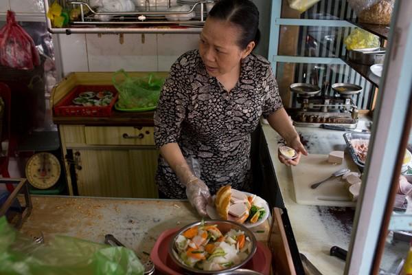 Vì sao bánh mì Sài Gòn lên báo Mỹ? 6