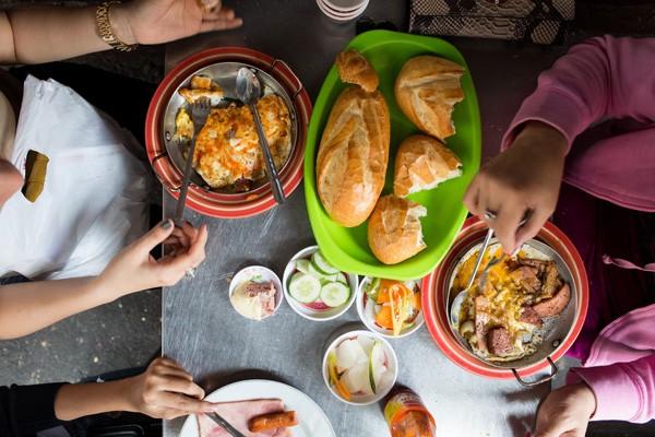 Vì sao bánh mì Sài Gòn lên báo Mỹ? 7