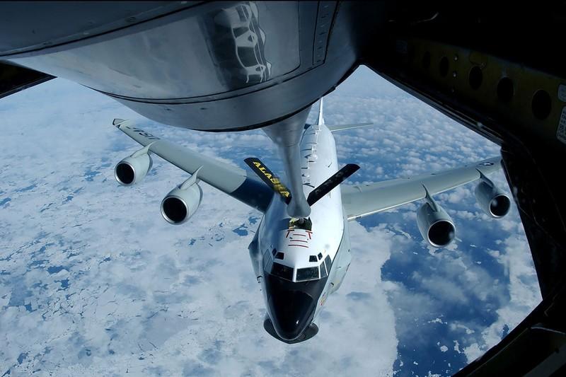 Máy bay do thám Mỹ tiến sát bờ biển Trung Quốc - ảnh 1