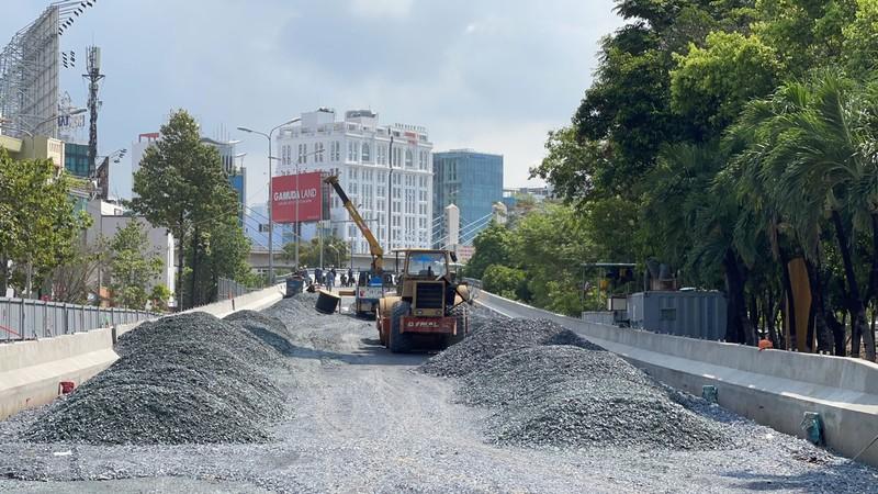 Sắp thông xe dự án nâng cấp đường Nguyễn Hữu Cảnh - ảnh 1