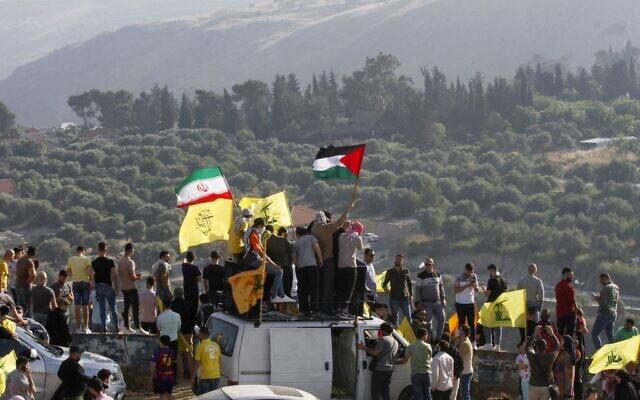 Thế khó của Israel: Cùng lúc hứng rocket từ Hamas và Lebanon - ảnh 1