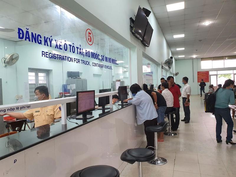 Người mua xe mới  có thể đăng ký biển số xe online - ảnh 1