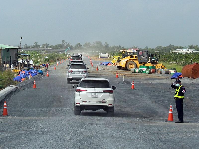 Chạy thực nghiệm thông tuyến cao tốc Trung Lương - Mỹ Thuận - ảnh 1