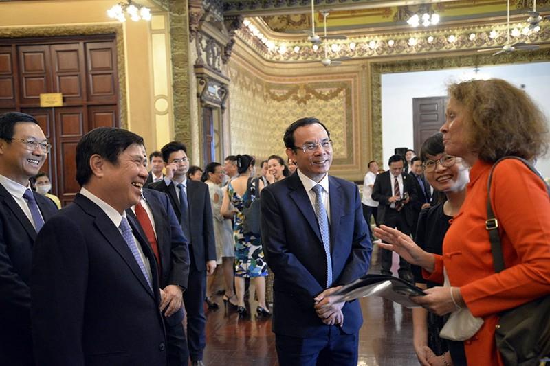 TP.HCM cam kết hỗ trợ tối đa nhà đầu tư nước ngoài - ảnh 1