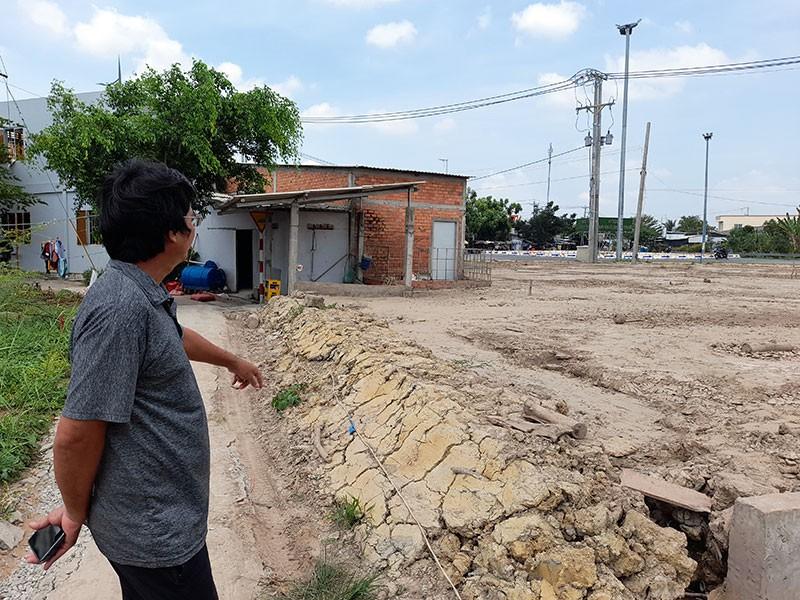Bến Tre: Chủ tịch UBND xã bị tố bán đất công - ảnh 1