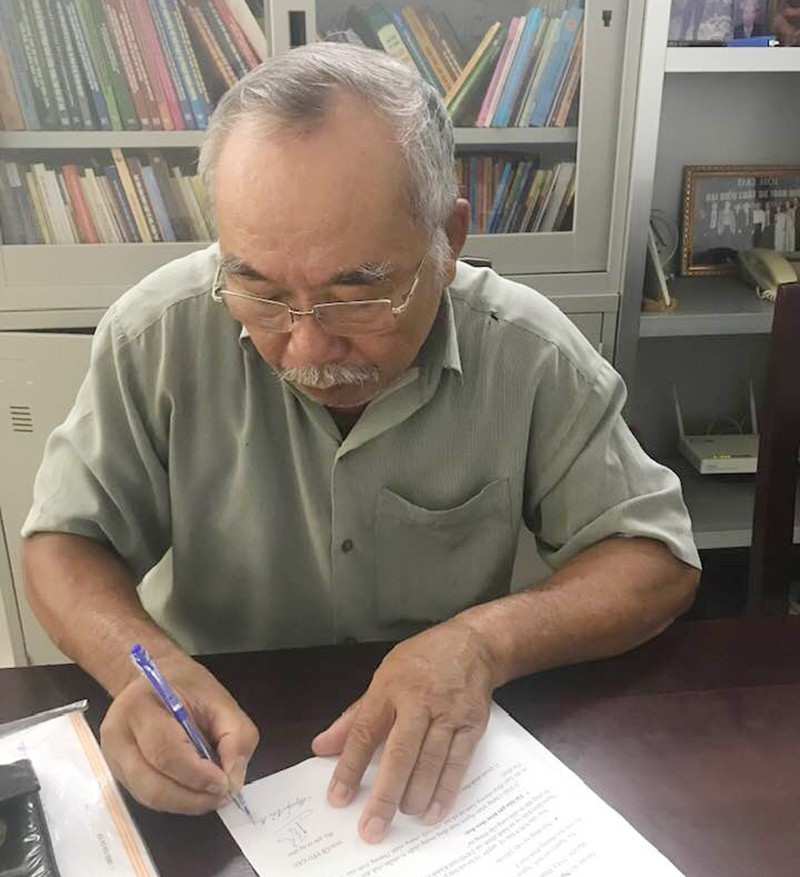 Chủ tịch tỉnh bị kiện hành chính vì từ chối cung cấp thông tin - ảnh 1