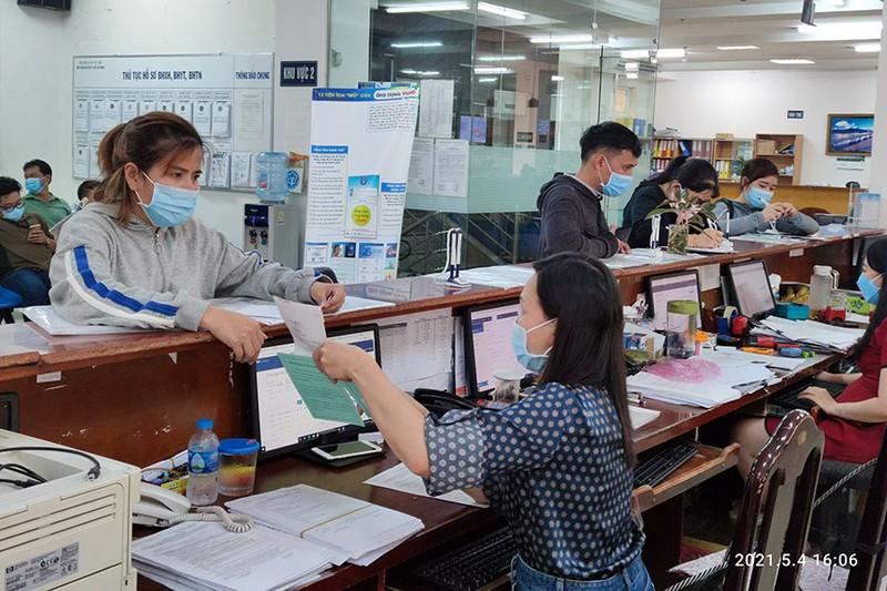 TP.HCM: Trả gộp 2 tháng lương hưu, trợ cấp BHXH trong tháng 5 - ảnh 1