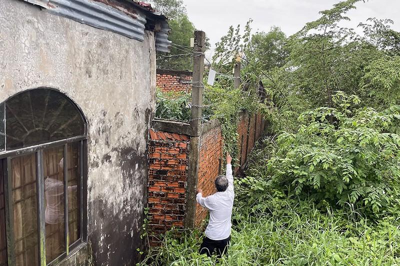 Rối vụ án lắp camera ngó qua đất láng giềng - ảnh 1
