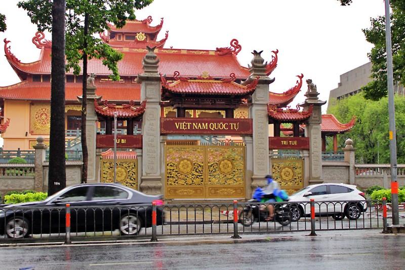 Tăng ni, Phật tử TP.HCM chia sẻ cùng tuyến đầu chống dịch - ảnh 2