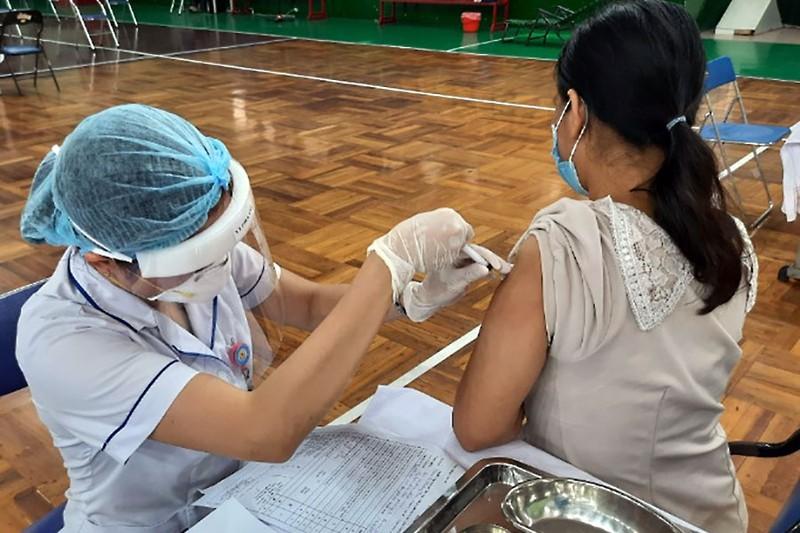 TP.HCM: Quận 11 tăng tốc để 'chuyển hóa vùng xanh vaccine' - ảnh 1
