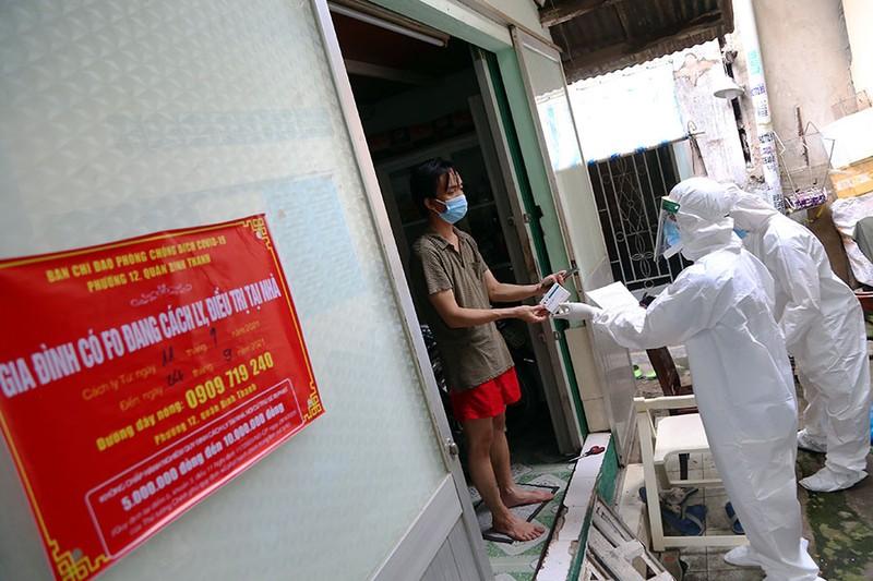 Góp ý về 4 tiêu chí của Bộ Y tế để TP.HCM mở cửa trở lại - ảnh 2