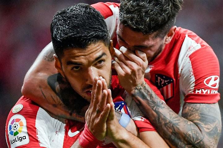 Suarez chọc ngoáy vào nỗi đau Barcelona không thương tiếc - ảnh 1