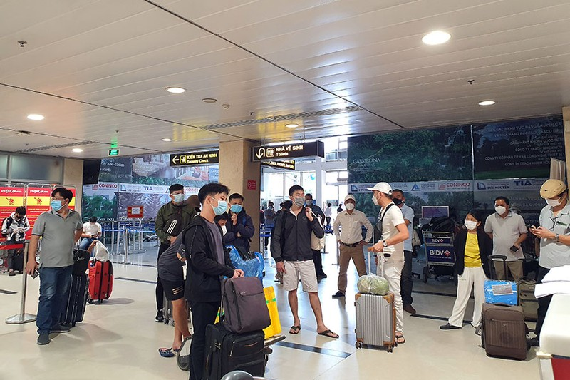 Ngày đầu nối lại đường bay nội địa, nhiều sân bay đã sẵn sàng - ảnh 1