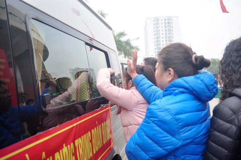 Hà Nội: Hàng chục công chức, viên chức xin nhập ngũ - ảnh 4
