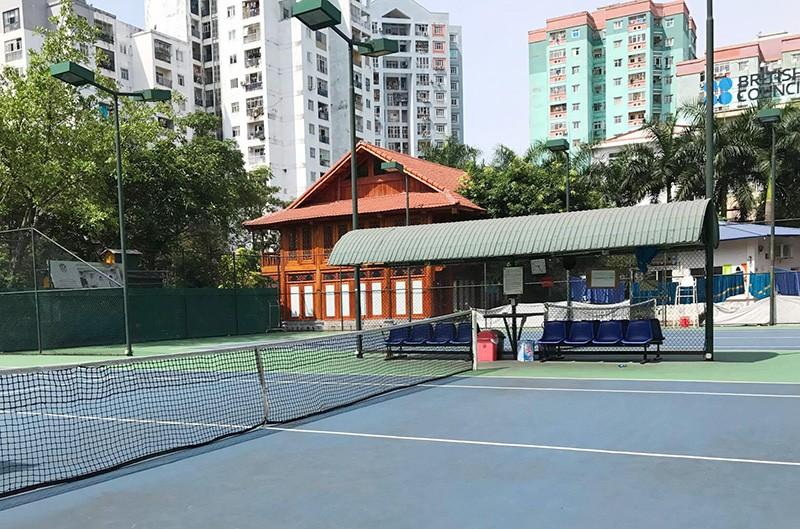 Nhà sàn bề thế cùng sân tennis 'mọc' trong trường học - ảnh 7