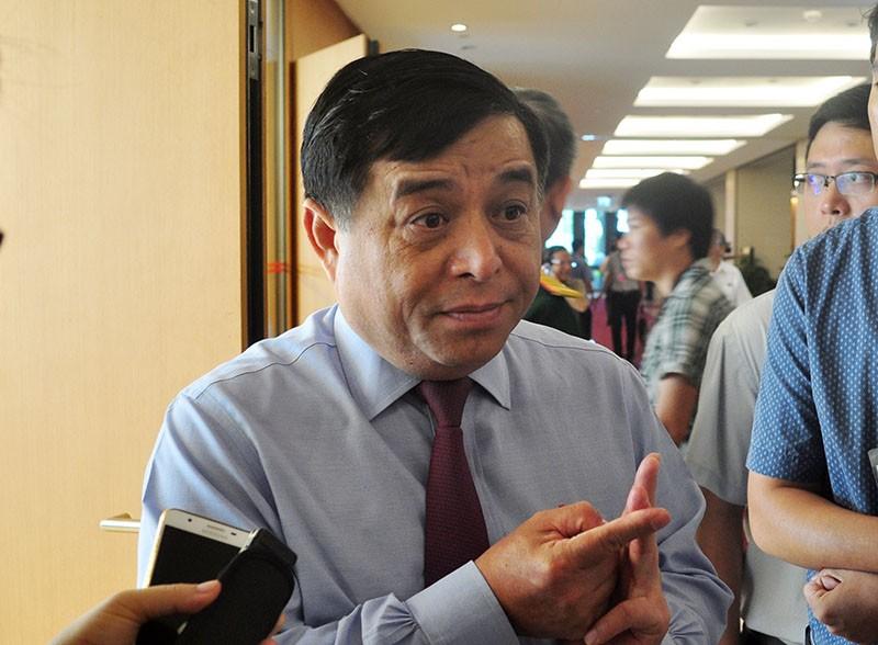 Bộ trưởng KH&ĐT nói về vụ sân golf trong sân bay - ảnh 1
