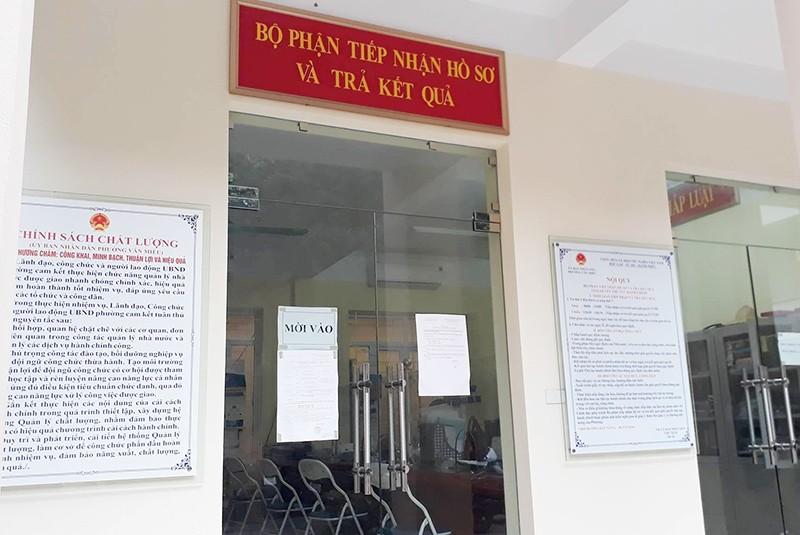 Vụ giấy chứng tử ở phường Văn Miếu: Đuổi việc một người - ảnh 1