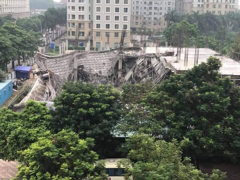 Hà Nội: Trường mầm non đang xây dựng bị sập - ảnh 1
