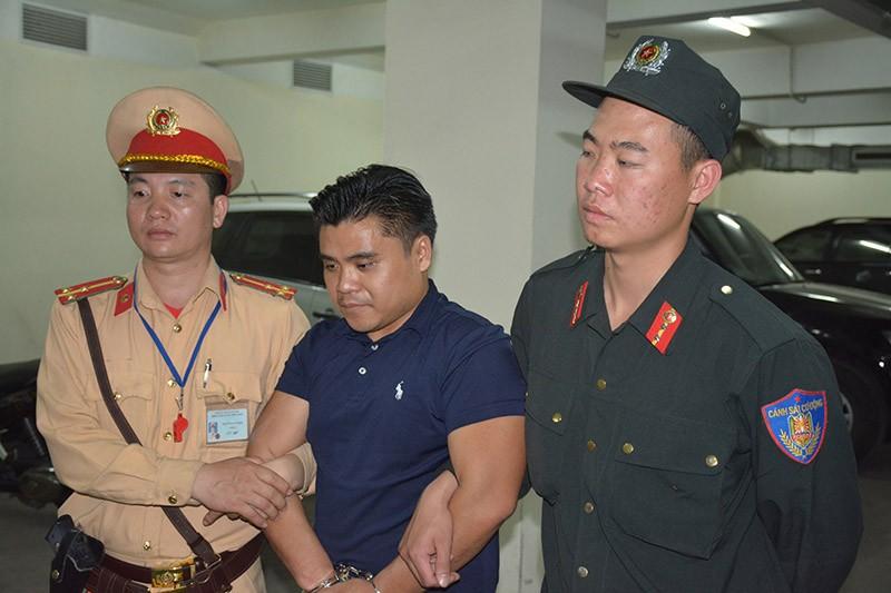 CSGT bắt 100 bánh heroin trên ô tô biển số Lào  - ảnh 2